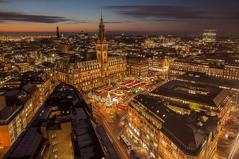 Weihnachtsmarkt Eröffnung Hamburg.Hamburger Weihnachtsmarkt Circus Roncalli Jubiläum